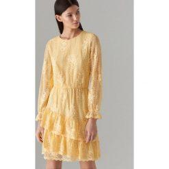 a0e5e58efe0bb9 Koronkowa sukienka z długimi rękawami - Żółty. Sukienki damskie Mohito. W  wyprzedaży za 79.99