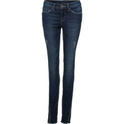 Dżinsy Super Skinny z ćwiekami bonprix ciemny denim. Niebieskie jeansy damskie bonprix. Za 129.99 zł.