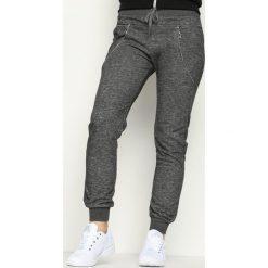 Ciemnoszare Spodnie Dresowe Avantient. Szare spodnie dresowe damskie Born2be, z dresówki. Za 19.99 zł.