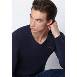 Granatowa Koszulka Nights Away. Bluzki z długim rękawem męskie marki Marie Zélie. Za 34.99 zł.