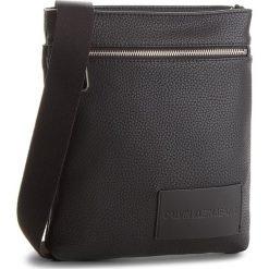 Saszetka CALVIN KLEIN JEANS - Pebble Flat Pack K40K400401 001. Czarne saszetki męskie Calvin Klein Jeans, z jeansu, młodzieżowe. Za 349.00 zł.