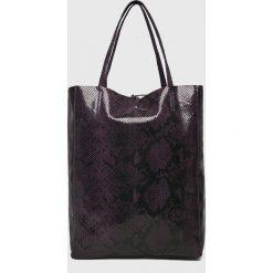 Answear - Torebka skórzana. Czarne torby na ramię damskie ANSWEAR. W wyprzedaży za 199.90 zł.