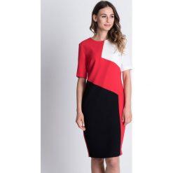 Asymetryczna sukienka z krótkim rękawem BIALCON. Czarne sukienki damskie BIALCON, w geometryczne wzory, wizytowe, z asymetrycznym kołnierzem, z krótkim rękawem. W wyprzedaży za 164.00 zł.