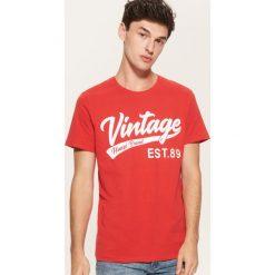 T-shirt Czerwony. Czerwone t-shirty męskie House. Za 39.99 zł.