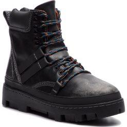 Trapery DIESEL - D-Vibe Hikeb Y01818 P0134 T8013 Black. Czarne śniegowce i trapery męskie Diesel, z nubiku. Za 1,039.00 zł.