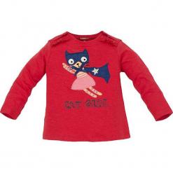 """Koszulka """"Cat Girl"""" w kolorze czerwonym. Czerwone bluzki dla dziewczynek Bondi, z aplikacjami, z bawełny, z okrągłym kołnierzem, z długim rękawem. W wyprzedaży za 32.95 zł."""