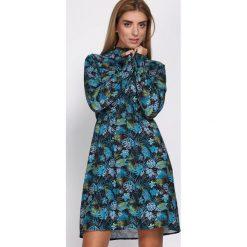Czarno-Niebieska Sukienka Love The Limit. Czarne sukienki damskie Born2be, z koszulowym kołnierzykiem. Za 99.99 zł.