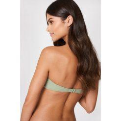 NA-KD Swimwear Góra od bikini bez ramiączek z metalową sprzączką - Green. Zielone bikini damskie NA-KD Swimwear, z haftami. Za 60.95 zł.