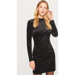 Aksamitna sukienka mini - Czarny. Czarne sukienki damskie Reserved. Za 99.99 zł.