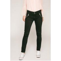 Answear - Spodnie. Szare spodnie materiałowe damskie ANSWEAR, z bawełny. W wyprzedaży za 59.90 zł.