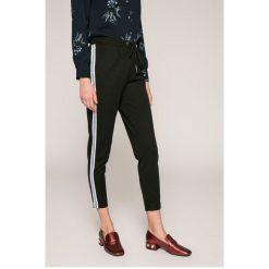 Haily's - Spodnie Greta. Szare spodnie materiałowe damskie Haily's, z elastanu. W wyprzedaży za 99.90 zł.