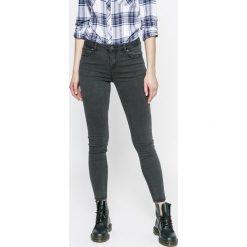 Review - Jeansy. Szare jeansy damskie Review. W wyprzedaży za 129.90 zł.