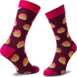 Skarpety Wysokie Unisex CUP OF SOX - Bawełniany Muffin Z Taaaką Wiśnią B Bordowy Kolorowy. Czerwone skarpety męskie Cup of Sox, w kolorowe wzory, z bawełny. Za 24.00 zł.