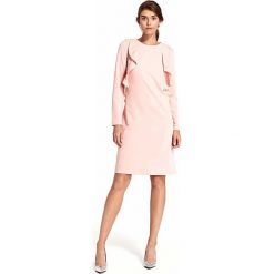 Różowa Elegancka Wizytowa Sukienka z Pionowymi Falbankami. Czerwone sukienki damskie Molly.pl, eleganckie, z dekoltem na plecach, z długim rękawem. W wyprzedaży za 148.71 zł.