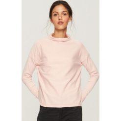 Sweter z niską stójką - Różowy. Czerwone swetry damskie Reserved, ze stójką. Za 69.99 zł.