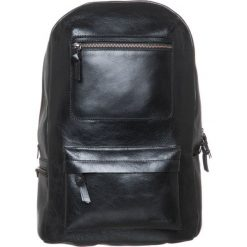 Royal RepubliQ TRACK Plecak black. Torby na laptopa damskie Royal RepubliQ, ze skóry. Za 839.00 zł.