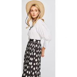 Answear - Bluzka Stripes Vibes. Szare bluzki damskie ANSWEAR, z bawełny, casualowe, z okrągłym kołnierzem. W wyprzedaży za 59.90 zł.