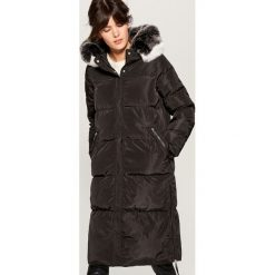 Długi płaszcz z kapturem - Czarny. Czarne płaszcze damskie Mohito. Za 299.99 zł.