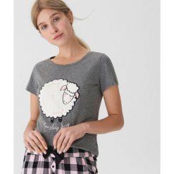 Piżamowa koszulka z owcą - Szary. Szare koszule nocne damskie House. Za 35.99 zł.
