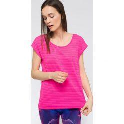 T-shirt damski TSD216 - fuksja. Czerwone t-shirty damskie 4f, z elastanu. W wyprzedaży za 49.99 zł.