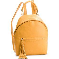 Plecak COCCINELLE - CN0 Leonie E1 CN0 54 03 01 Ambre J68. Żółte plecaki damskie Coccinelle, ze skóry. Za 1,249.90 zł.