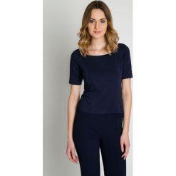 Granatowa elegancka bluzka z krótkim rękawem BIALCON. Niebieskie bluzki damskie BIALCON, z dzianiny, eleganckie, z krótkim rękawem. Za 155.00 zł.