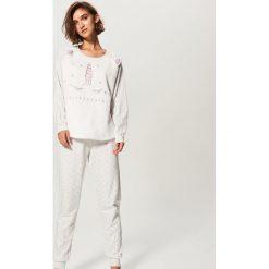 Piżama ze spodniami - Jasny szar. Szare piżamy damskie Reserved. Za 129.99 zł.
