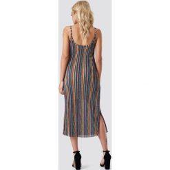 NA-KD Boho Sukienka w paski z rozcięciem - Multicolor. Sukienki damskie NA-KD Boho, w paski, z tkaniny, boho. Za 121.95 zł.