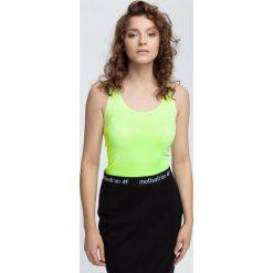 Top damski TSD003 - jasna zieleń neon. Zielone topy damskie 4f, z materiału, bez rękawów. W wyprzedaży za 39.99 zł.