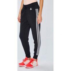 Adidas Performance - Spodnie. Szare spodnie sportowe damskie adidas Performance, z bawełny. W wyprzedaży za 159.90 zł.