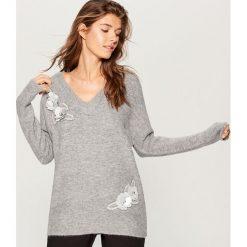 Melanżowy sweter z aplikacją - Szary. Szare swetry damskie Mohito. Za 129.99 zł.