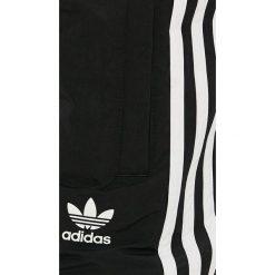 Adidas Originals - Szorty. Szorty męskie adidas Originals, z materiału. W wyprzedaży za 149.90 zł.