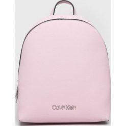 Calvin Klein - Plecak. Szare plecaki damskie Calvin Klein, z materiału. Za 549.90 zł.