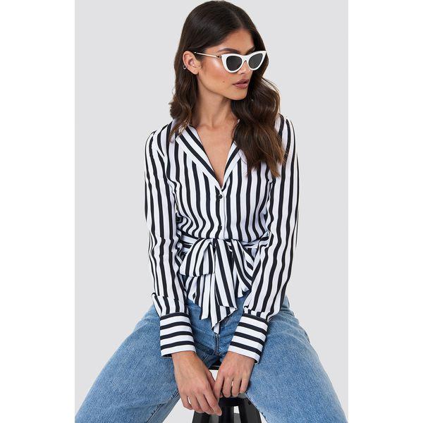 378321c9856e82 NA-KD Trend Koszula w paski z wiązaniem - Black - Koszule damskie NA ...