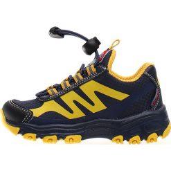 """Sneakersy """"Markus"""" w kolorze czarnym. Czarne trampki i tenisówki chłopięce Naturino, z aplikacjami, z materiału. W wyprzedaży za 172.95 zł."""