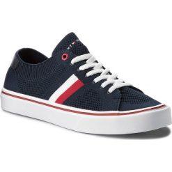 Tenisówki TOMMY HILFIGER - Lightweight Corporate Sneaker FM0FM01619  Midnight 403. Niebieskie trampki męskie Tommy Hilfiger, z gumy. Za 299.00 zł.