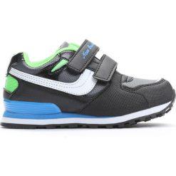 Czarne Buty Sportowe Importance. Czarne buty sportowe chłopięce Born2be, z materiału. Za 49.99 zł.