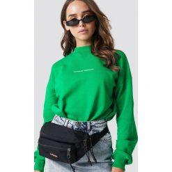 NA-KD Bluza Nothing Personal - Green. Zielone bluzy damskie NA-KD, z nadrukiem. Za 161.95 zł.