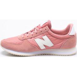 New Balance - Buty WL220RA. Szare obuwie sportowe damskie New Balance, z gumy. W wyprzedaży za 259.90 zł.