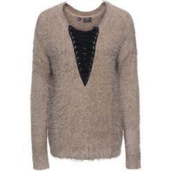 Sweter dzianinowy ze sznurowaną wstawką bonprix czarno-brunatny. Swetry damskie marki bonprix. Za 59.99 zł.