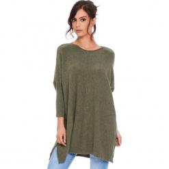 """Sweter """"Lacy"""" w kolorze khaki. Brązowe swetry damskie Cosy Winter, ze splotem, z asymetrycznym kołnierzem. W wyprzedaży za 181.95 zł."""