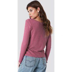 NA-KD Trend Sweter z dekoltem V - Pink. Różowe swetry damskie NA-KD Trend, z dzianiny, dekolt w kształcie v. Za 100.95 zł.