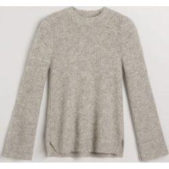 Sweter z moherem - Jasny szar. Szare swetry damskie Reserved, z moheru. Za 299.99 zł.