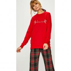 Answear - Bluza. Czerwone bluzy damskie ANSWEAR, z aplikacjami, z dzianiny. Za 69.90 zł.
