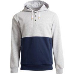 Bluza męska BLM603 - chłodny jasny szary melaż - Outhorn. Szare bluzy męskie Outhorn. W wyprzedaży za 99.99 zł.