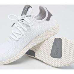 Adidas Originals - Buty Pharrell Williams Tennis HU. Szare obuwie sportowe damskie adidas Originals. Za 399.90 zł.