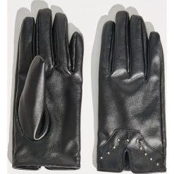 Rękawiczki z ekologicznej skóry - Czarny. Czarne rękawiczki damskie Sinsay, ze skóry. Za 29.99 zł.