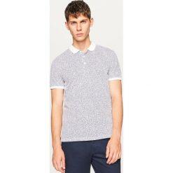Koszulka polo z mikroprintem - Biały. Białe koszulki polo męskie Reserved. W wyprzedaży za 49.99 zł.