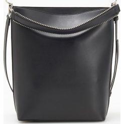 Torebka z ozdobnym uchwytem - Czarny. Czarne torebki do ręki damskie Reserved. Za 149.99 zł.