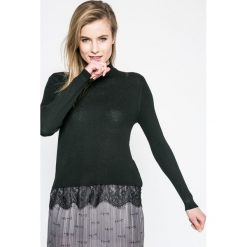 Jacqueline de Yong - Sweter. Szare swetry damskie Jacqueline de Yong, z dzianiny. W wyprzedaży za 59.90 zł.
